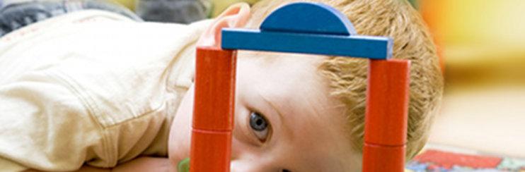 Spielzeug fürs baby oder monate welches