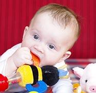 Babyentwicklung 1 Monat: So entwickelt sich Ihr Baby
