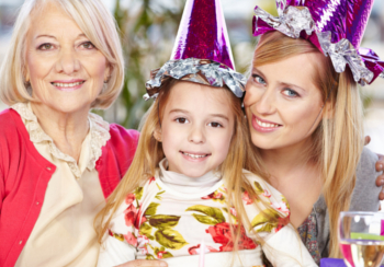 Familie - Familienfeste: Silvester mit Kind (Oma, Mutter & Kind)