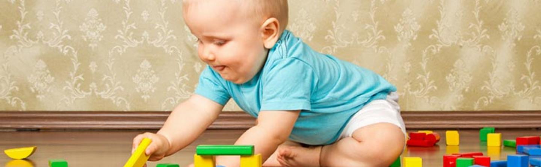 Baby-Entwicklung im 7. Monat » Zahnen, Turnen & Singen