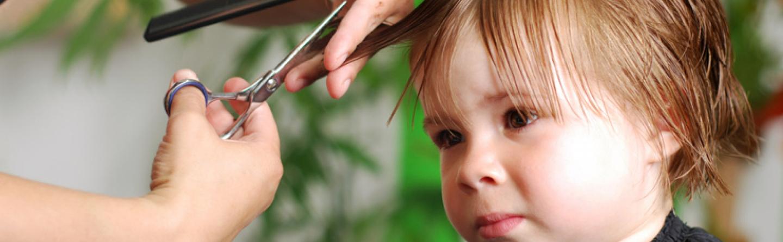 Haare Schneiden Beim Kind Zum Friseur Oder Selber Machen