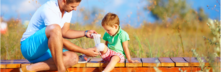 erste hilfe am kind so helfen sie ihrem baby oder kleinkind. Black Bedroom Furniture Sets. Home Design Ideas